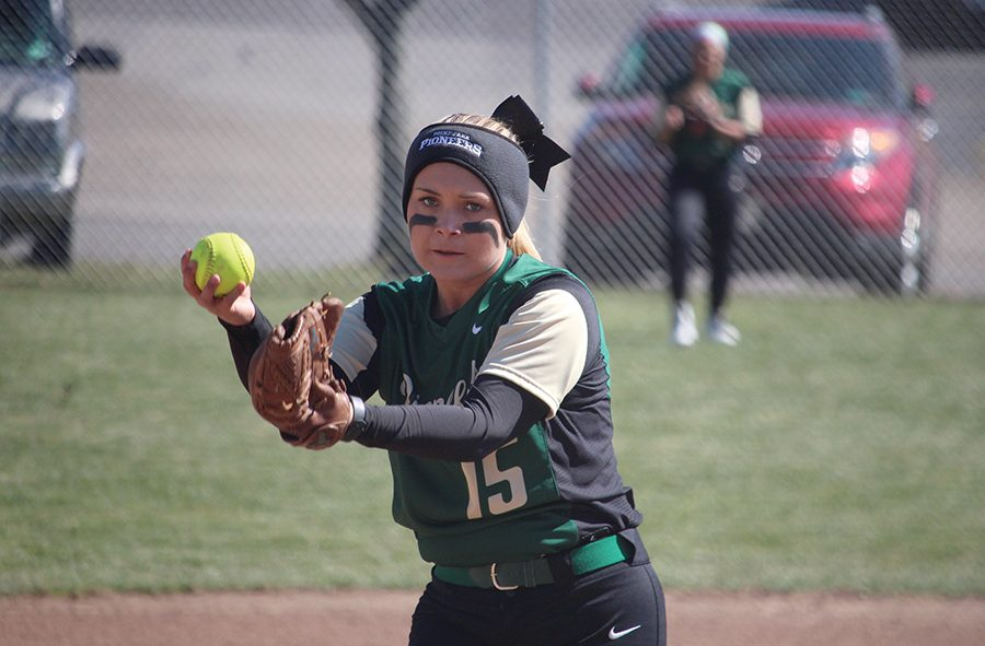 Sophomore+Ashley+Iagnemma+struck+out+11+in+a+5-0+win+against+Carlow+Saturday.