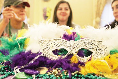 Students celebrate Mardi Gras with the help of CAB