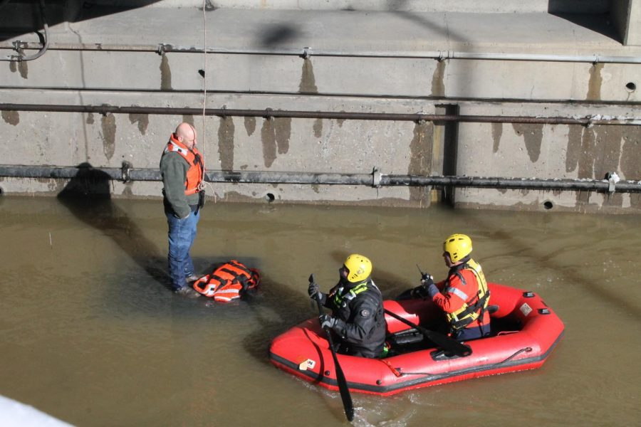 Pittsburgh+River+Rescue+arrives+to+get+Corbin+back+on+land+to+be+evaluated+by+paramedics.+