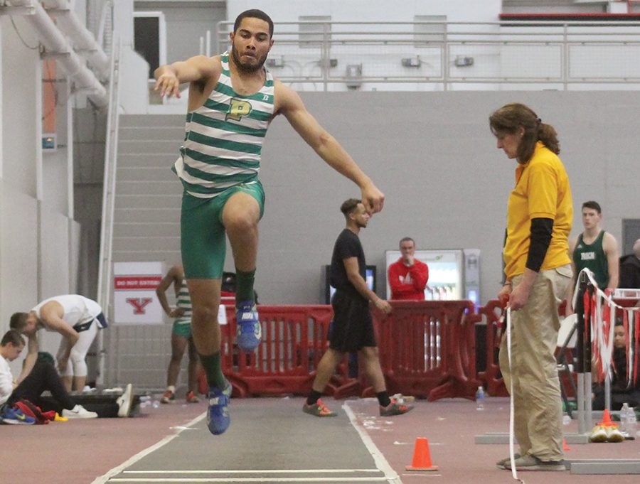 Jryi+Davis+during+his+third+attempt+to+score+at+the+triple+jump+event+Saturday+at+the+Youngstown+State+University+Invitational.+