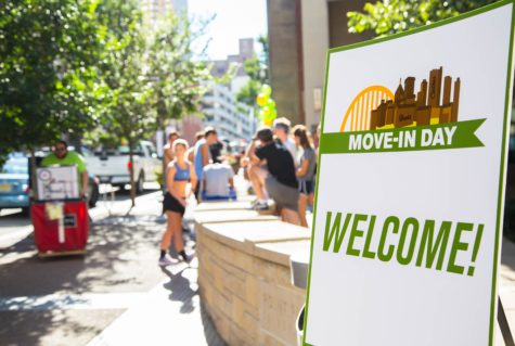 First move in day welcomes freshmen honors students