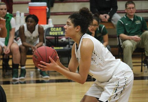 Women's basketball bounces back from tough home loss