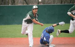 Baseball sweeps Midway to maintain first place