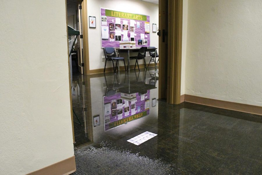 A hot water main burst in Lawrence Hall around midnight Friday. Floor 6 and 7 were off limits and dehumidifiers are now present to evaporate the remaining water as on Monday evening.