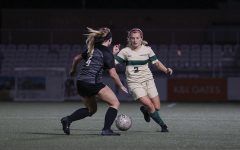 Women's soccer splits RSC matches, hangs in third place