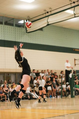 Volleyball closes out RSC play on winning wave