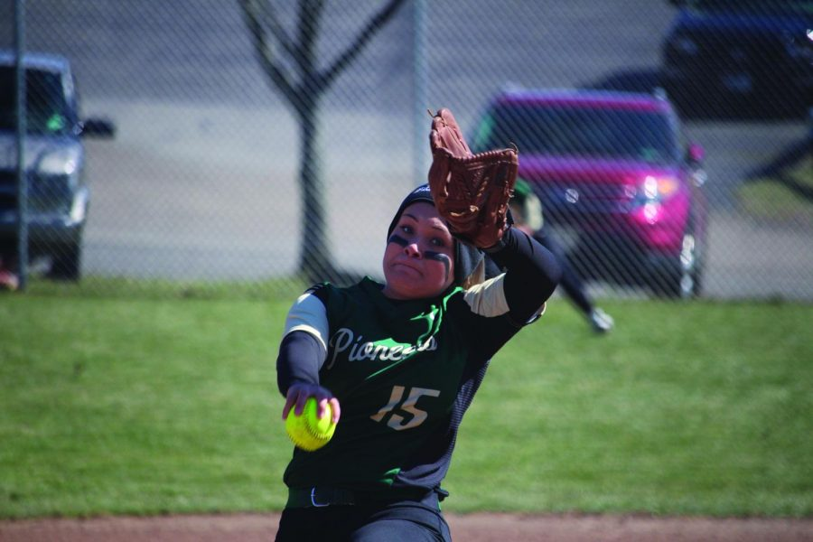 Senior pitcher Ashley Iagnemma tosses a pitch in a 2018 game. After seven starts on the year, Iagnemma has picked up 43 strikeouts with a 2-5 record and a 3.86 ERA. She picked up two losses over the weekend.