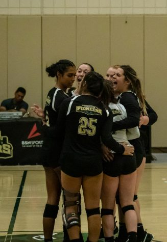 Volleyball finishes three-for-three in last week's matchups